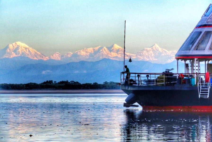 Golden Triangle with Downstream Cruise