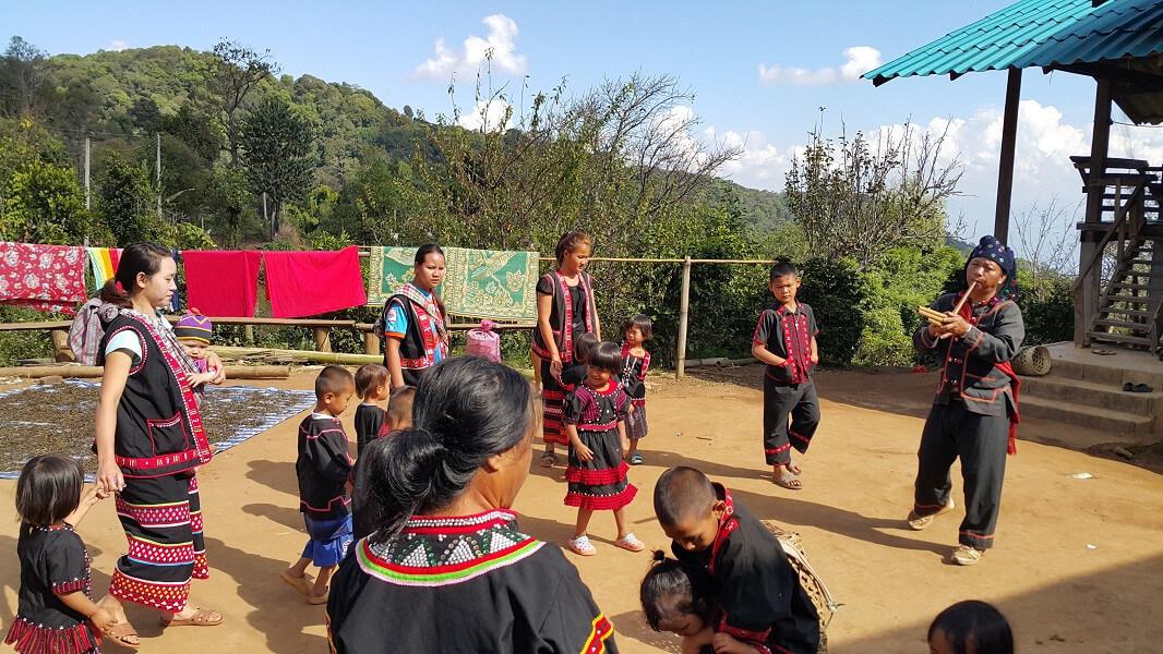 Amazing hill tribe in hidden paradise (B