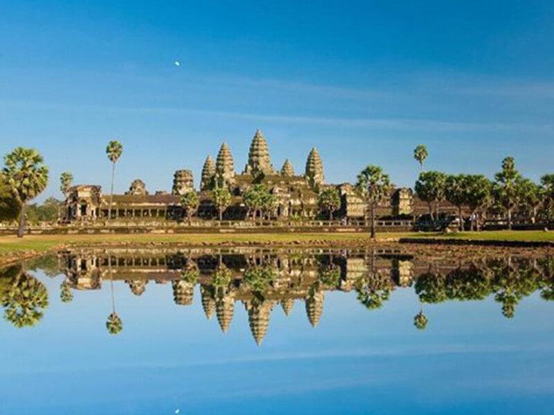 7 Days 6 Nights – Angkor Wat + Halong Bay