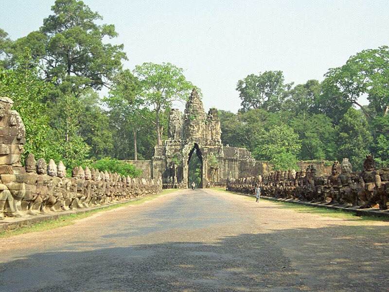 8 DAYS 7 NIGHTS - CAMBODIA EXPERIENCE