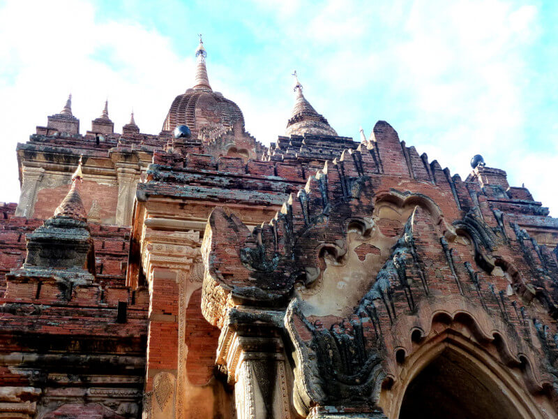 Myanmar Radiant Classic Tour 10 D/9 N (Program with buses)