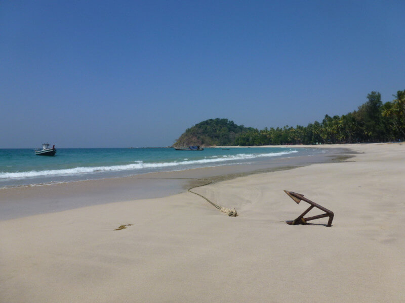 Gorgeous Ngapali beach 8 D/7 N