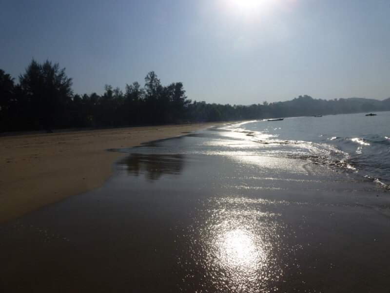 Wonderful Ngwe Saung beach 8 D/7 N DECEMBER 2017/JANUARY 2018 PEAK SEASON