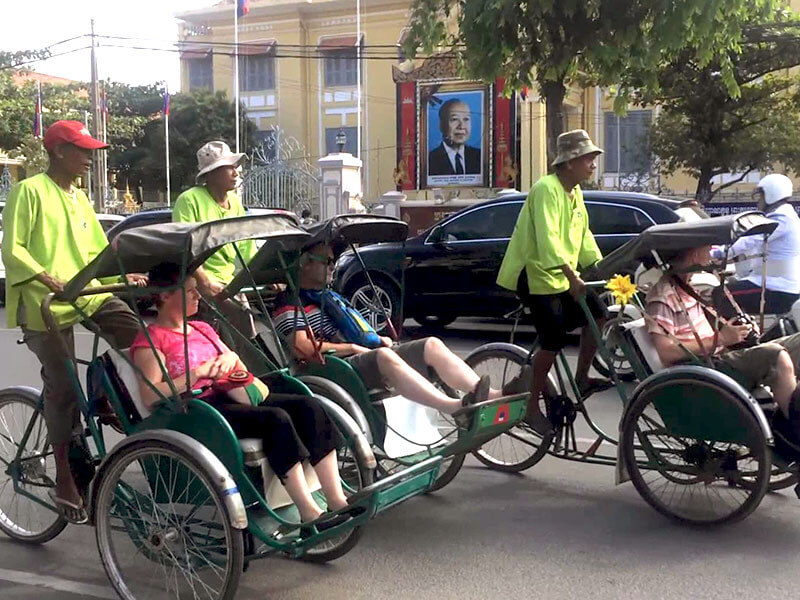PHNOM PENH BY CYCLO & DEPARTURE
