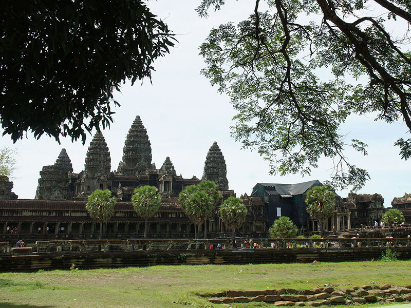 Angkor & Beach Holiday Tour Package 6 Nights / 7 Days