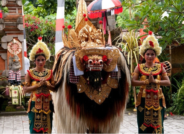 Full day tour experiencing Barong dance