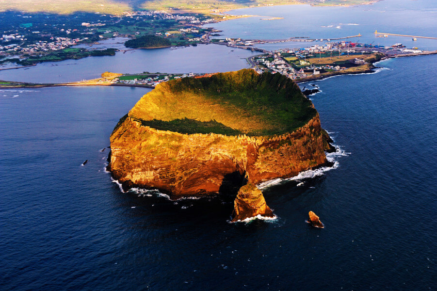 Circuit course of K-shuttle & Jeju tour for 8 Days