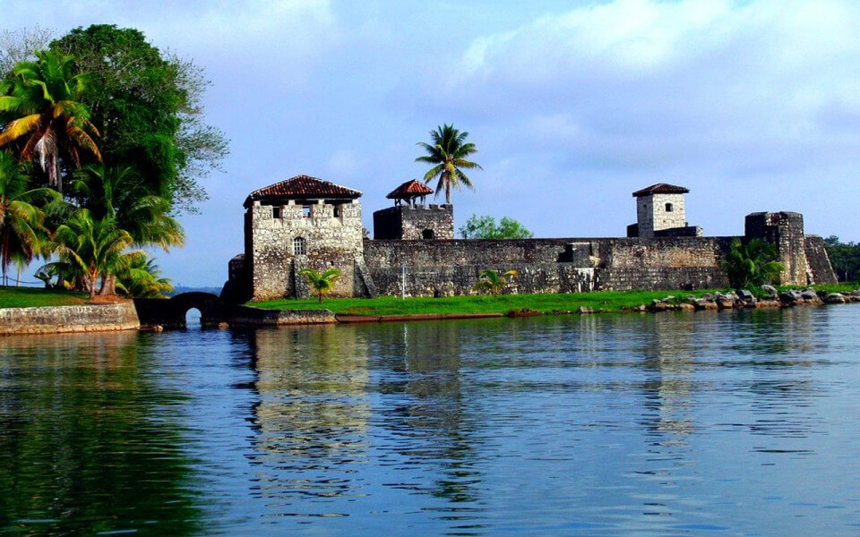 Tour departure Guatemala City - Peten