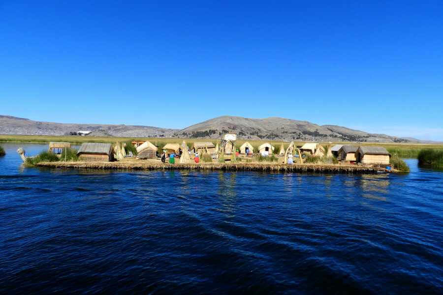 Home Stay and Uros floating