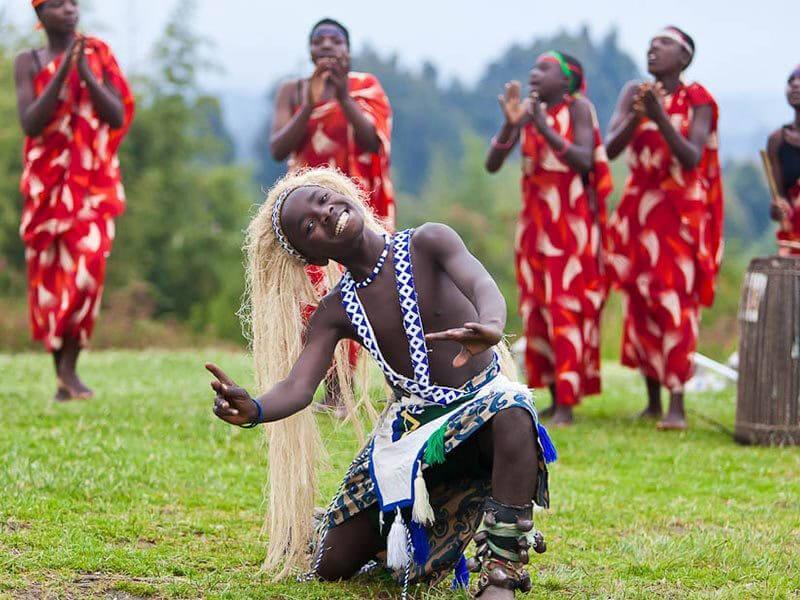 EXPERIENCE GORILLA SAFARI IN RWANDA