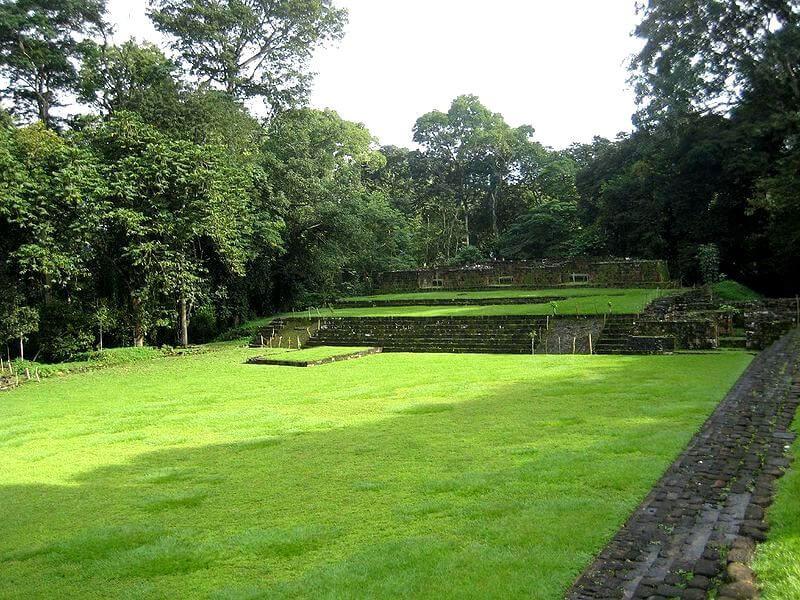 Quirigua stelae park/Antigua