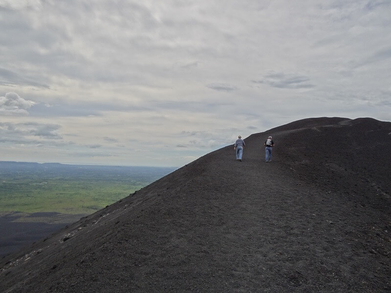 14 Days: Adventure in Volcanoes