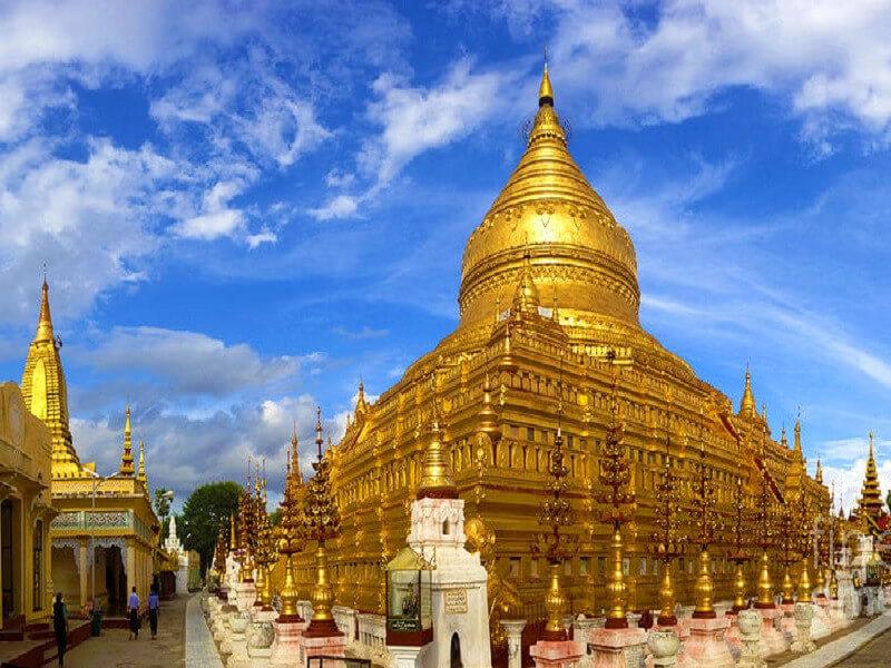 Yangon – fly to Bagan – Temples visit