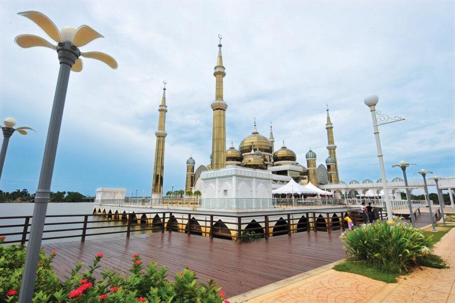 Kuala Terengganu – Kuantan (250 km)
