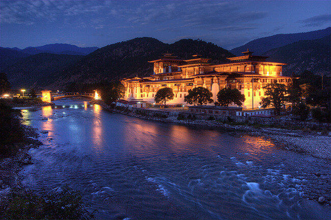 Bhutan Gross national Happiness tour