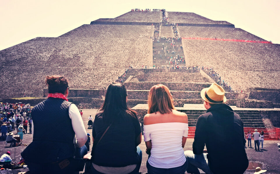 GUADALUPE SHRINE / TEOTIHUACAN PYRAMIDS
