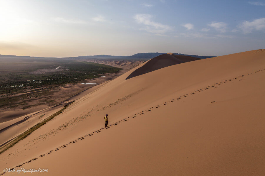 Travel through the Gobi desert