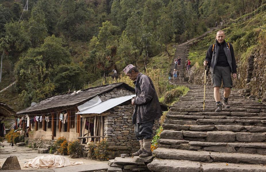 Trek to Chhomrong [2100m]
