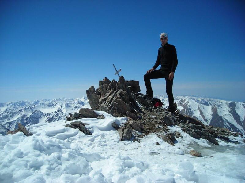 Ascent to Uchitel peak (4545m)