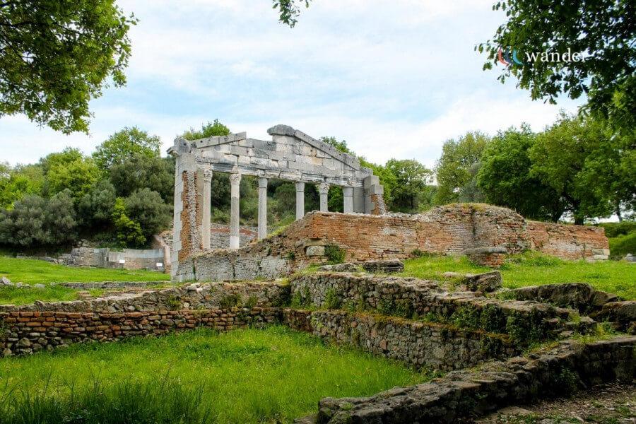 Visiting Gjirokaster and Apollonia