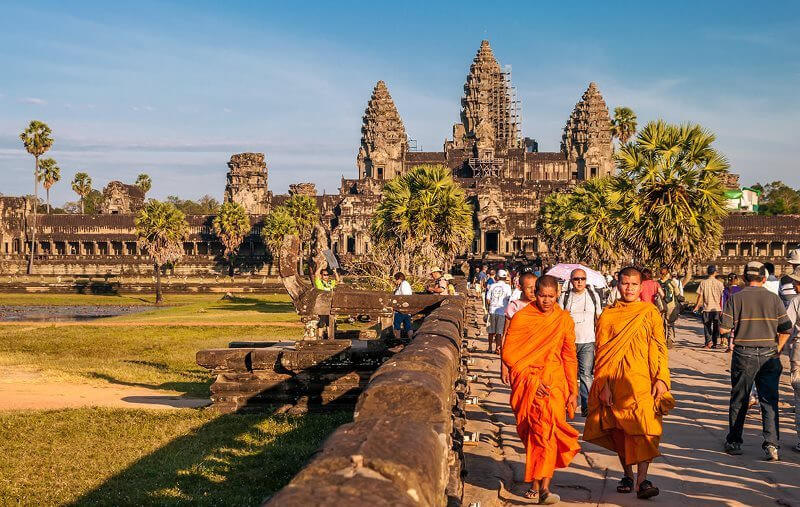 5 DAYS/4 NIGHTS TO LIVE WITH THE PEOPLE  IN PHNOMPENH AND SIEMREP