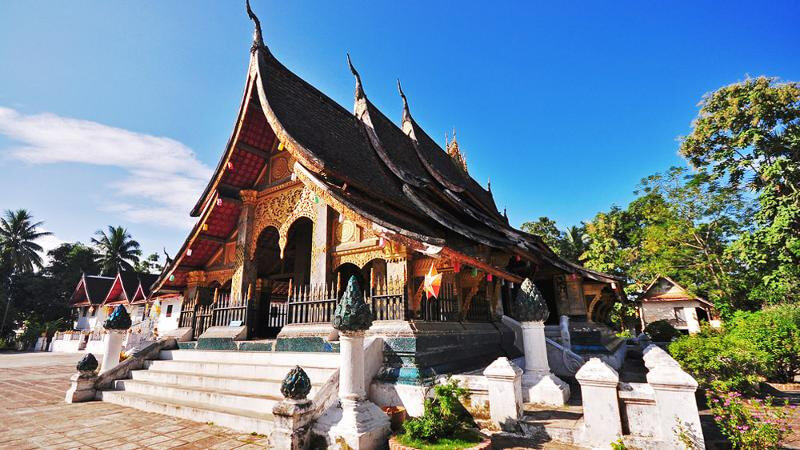 13 DAYS/ 12 NIGHTS  LUANGPRABANG LAOS & VIETNAM