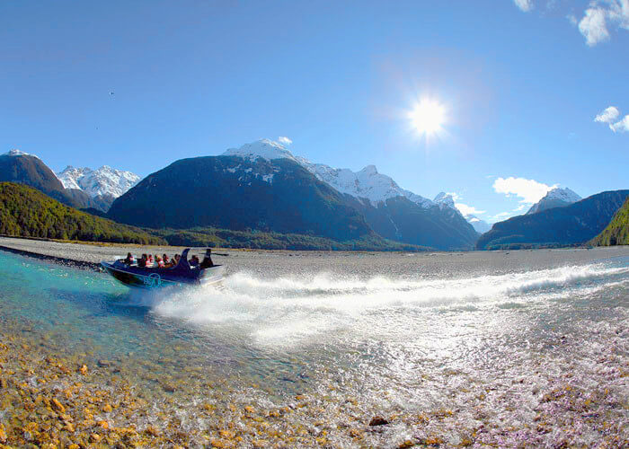 Kiwi - 13 Night / 14 Day North & South Island Tour