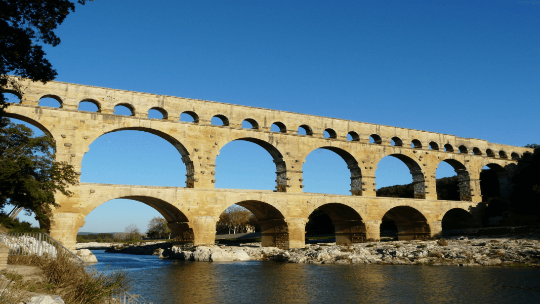 Paris and the hinterland of Provence