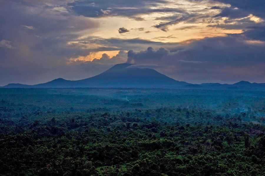 UGANDA PRIMATES  & CULTURAL TOURS