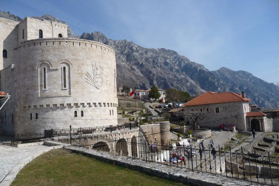 Pogradec - Elbasan - Kruja