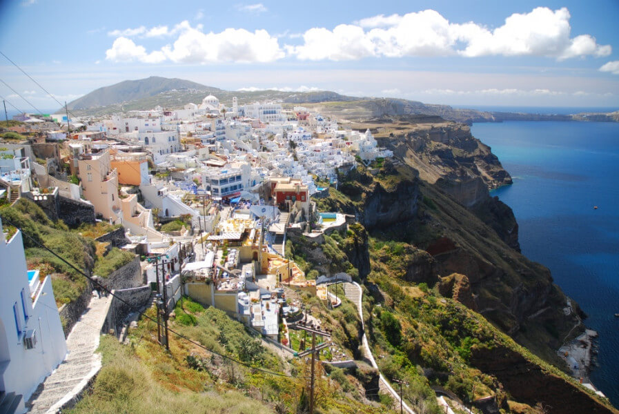 Walk from Fira to Ia