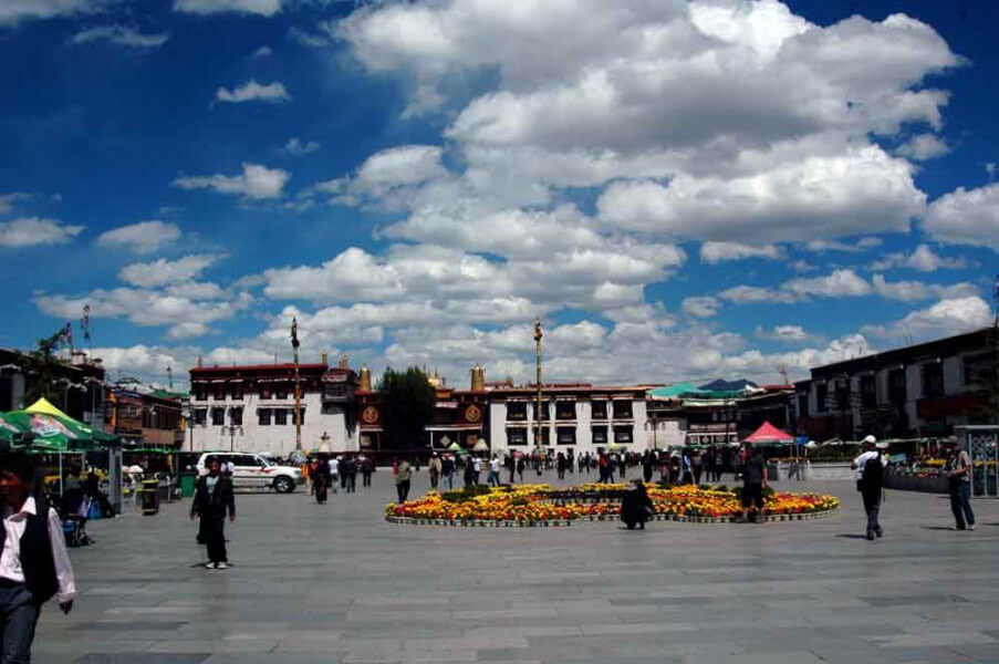 Arrival in Lhassa