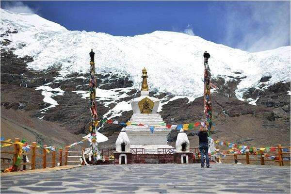 Drive-  Lhasa-Yamdrok lake-Gyantse-Shiga