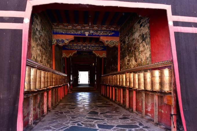 Drive from Sakya to Lhasa (3650Mts/ 430K