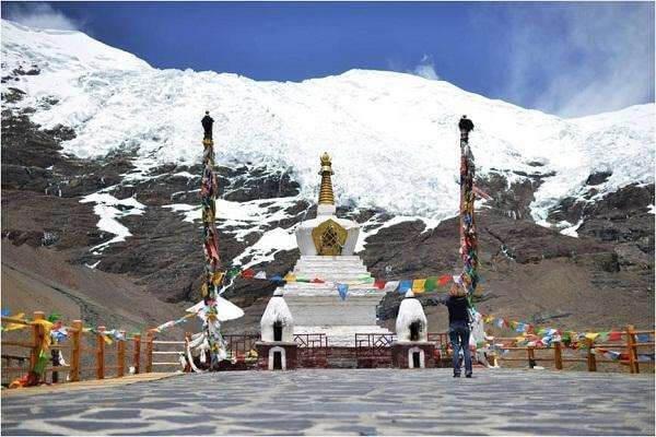 Lhatse-Shigatse ( 3900Mts /150Km )