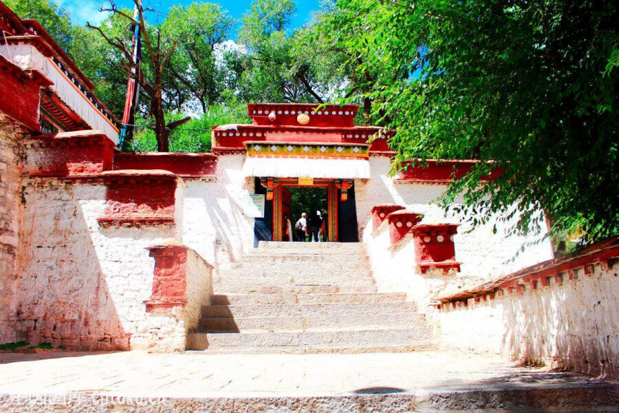 Drepung and Sera monasteries.