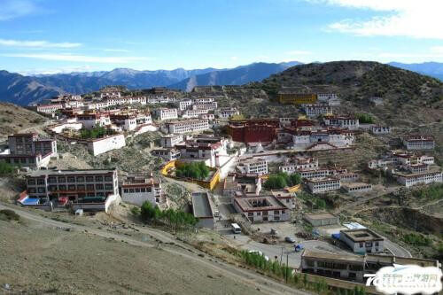 Drive from Samye monastery to Tsetang .5