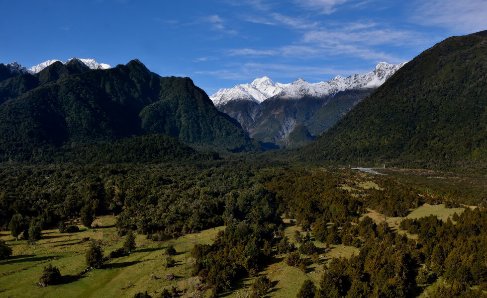 Travelling Around the South Island - Beaches, Fiords, Glaciers...