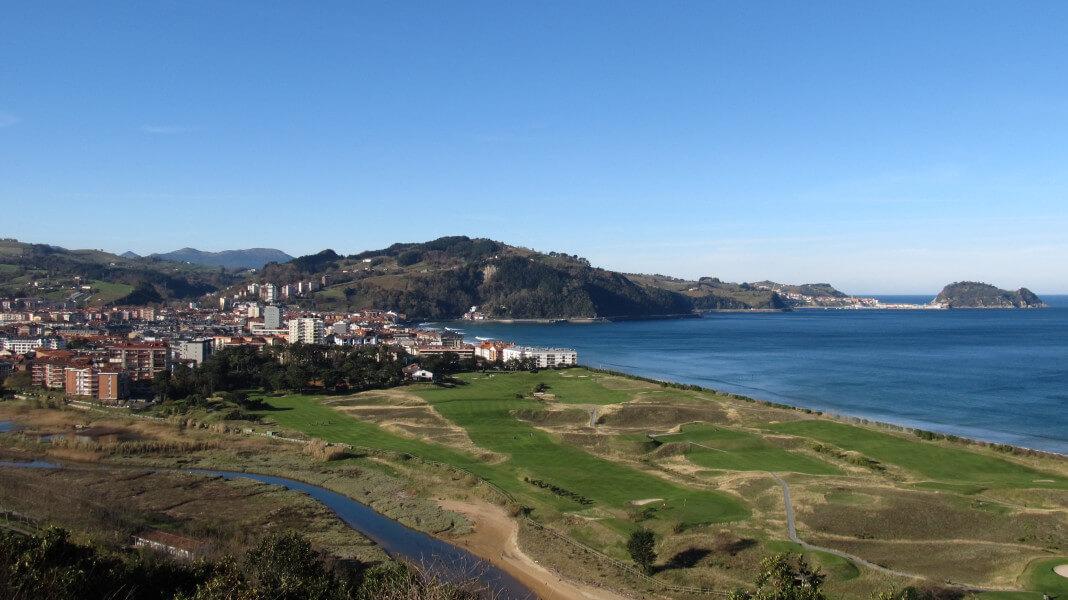 The coastal road between San Sebastián a
